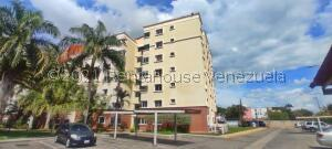 Apartamento En Ventaen Barquisimeto, Parroquia Concepcion, Venezuela, VE RAH: 22-6598