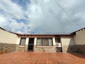 Casa En Ventaen Maracay, Don Genaro, Venezuela, VE RAH: 22-6609