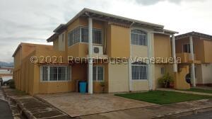 Townhouse En Ventaen La Morita, Villas Geicas, Venezuela, VE RAH: 22-6615