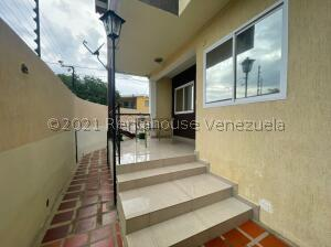 Casa En Ventaen Punto Fijo, Judibana, Venezuela, VE RAH: 22-6621