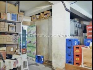 Local Comercial En Ventaen Higuerote, Higuerote, Venezuela, VE RAH: 22-6643