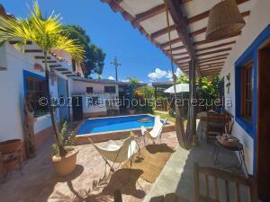 Casa En Ventaen Margarita, Playa El Agua, Venezuela, VE RAH: 22-6873