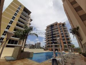 Apartamento En Ventaen Margarita, Costa Azul, Venezuela, VE RAH: 22-6675