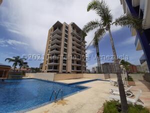 Apartamento En Ventaen Margarita, Costa Azul, Venezuela, VE RAH: 22-6677