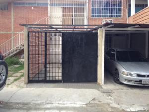 Casa En Ventaen Guatire, El Castillejo, Venezuela, VE RAH: 22-6684