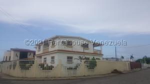 Casa En Ventaen Ciudad Ojeda, Tamare, Venezuela, VE RAH: 22-6699