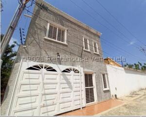 Townhouse En Ventaen Cabimas, Buena Vista, Venezuela, VE RAH: 22-6718