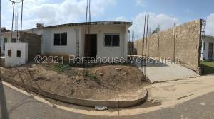 Casa En Ventaen La Vela De Coro, Intercomunal Coro La Vela, Venezuela, VE RAH: 22-6773