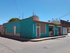 Local Comercial En Ventaen Coro, Centro, Venezuela, VE RAH: 22-6799