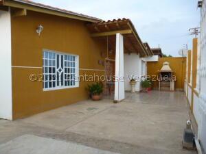 Casa En Ventaen Punto Fijo, Guanadito, Venezuela, VE RAH: 22-6828