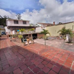Casa En Ventaen San Antonio De Los Altos, La Rosaleda, Venezuela, VE RAH: 22-6890