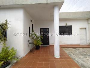 Casa En Ventaen Maracay, La Morita, Venezuela, VE RAH: 22-6883