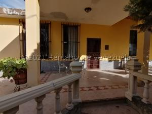Casa En Ventaen Cabudare, Parroquia José Gregorio, Venezuela, VE RAH: 22-6900