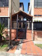 Apartamento En Ventaen Guarenas, Terrazas Del Este, Venezuela, VE RAH: 22-6920