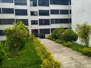 Apartamento En Ventaen Los Teques, El Solar De La Quinta, Venezuela, VE RAH: 22-6934