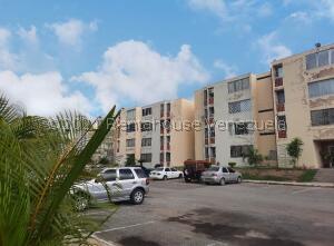 Apartamento En Ventaen La Victoria, Ciudad Real, Venezuela, VE RAH: 22-6945