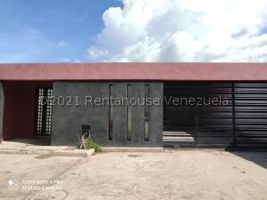 Casa En Ventaen Guacara, Carret Guacara - San Joaquin, Venezuela, VE RAH: 22-6957