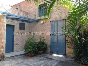 Casa En Alquileren Caracas, El Peñon, Venezuela, VE RAH: 22-6994