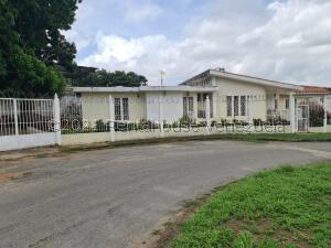 Casa En Ventaen Valencia, Lomas Del Este, Venezuela, VE RAH: 22-7066