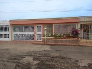 Casa En Ventaen Maracaibo, La Picola, Venezuela, VE RAH: 22-7052