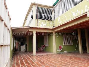 Casa En Ventaen Coro, Sector San Jose, Venezuela, VE RAH: 22-7089