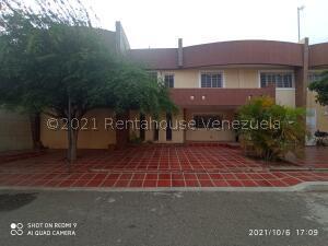 Townhouse En Ventaen Maracaibo, La Picola, Venezuela, VE RAH: 22-7116