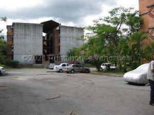 Apartamento En Ventaen Guarenas, Nueva Casarapa, Venezuela, VE RAH: 22-7125