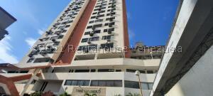 Apartamento En Ventaen Maracaibo, Avenida Bella Vista, Venezuela, VE RAH: 22-7138