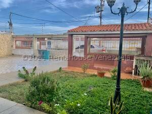 Casa En Ventaen Punto Fijo, San Rafael, Venezuela, VE RAH: 22-7197