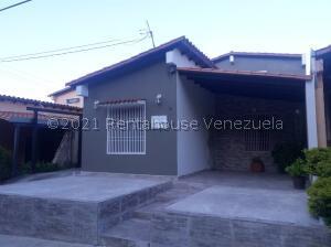Casa En Ventaen Cabudare, Parroquia José Gregorio, Venezuela, VE RAH: 22-7164