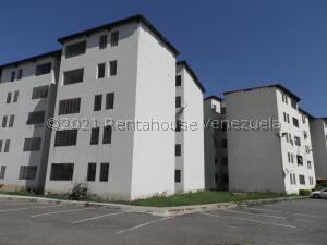 Apartamento En Ventaen Municipio Los Guayos, Paraparal, Venezuela, VE RAH: 22-7373