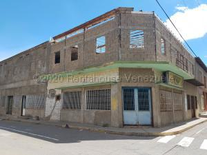 Local Comercial En Ventaen Coro, Centro, Venezuela, VE RAH: 22-7191