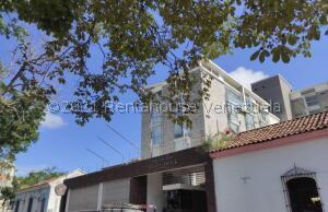 Apartamento En Ventaen Barquisimeto, Centro, Venezuela, VE RAH: 22-7206