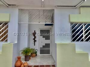 Casa En Ventaen Punto Fijo, Las Virtudes, Venezuela, VE RAH: 22-7215
