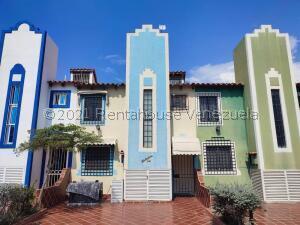 Casa En Ventaen Lecheria, Complejo Turistico El Morro, Venezuela, VE RAH: 22-1487