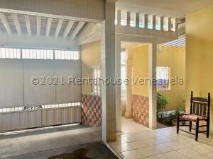 Casa En Ventaen Punto Fijo, Centro, Venezuela, VE RAH: 22-7249