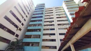 Apartamento En Ventaen Barquisimeto, Parroquia Santa Rosa, Venezuela, VE RAH: 22-7286