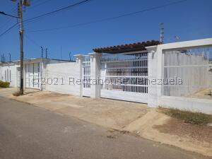Casa En Ventaen Punto Fijo, Guanadito, Venezuela, VE RAH: 22-7645