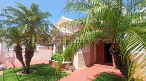 Casa En Ventaen Punto Fijo, Casacoima, Venezuela, VE RAH: 22-7321