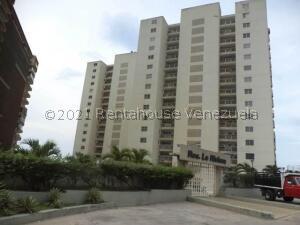 Apartamento En Ventaen Catia La Mar, Playa Grande, Venezuela, VE RAH: 22-7328