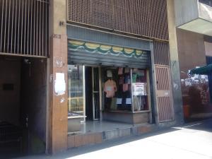 Local Comercial En Ventaen Caracas, Parroquia Altagracia, Venezuela, VE RAH: 22-7343