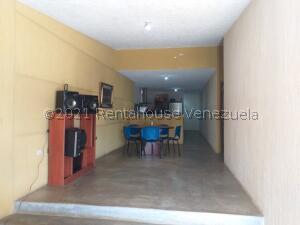 Casa En Ventaen Coro, Intercomunal Coro La Vela, Venezuela, VE RAH: 22-7375