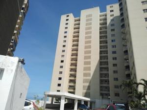 Apartamento En Ventaen Catia La Mar, Playa Grande, Venezuela, VE RAH: 22-7357