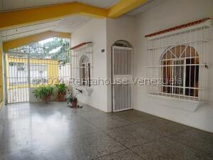 Casa En Ventaen Municipio Naguanagua, Casco Central, Venezuela, VE RAH: 22-7364