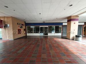 Local Comercial En Ventaen Caracas, Prados Del Este, Venezuela, VE RAH: 22-7485