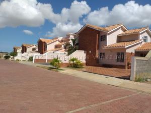 Casa En Ventaen Coro, Centro, Venezuela, VE RAH: 22-7387