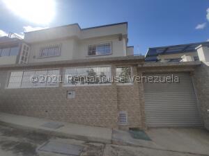 Casa En Ventaen San Antonio De Los Altos, Parque El Retiro, Venezuela, VE RAH: 22-7456