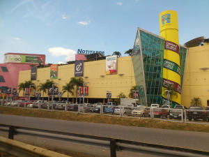 Local Comercial En Ventaen Municipio San Diego, Castillito, Venezuela, VE RAH: 22-7410