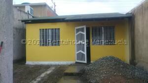 Casa En Ventaen Valencia, Flor Amarillo, Venezuela, VE RAH: 21-13152