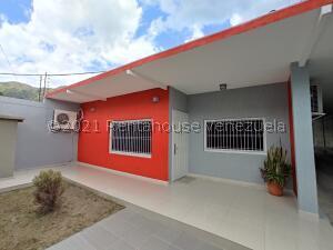 Casa En Ventaen Maracay, La Candelaria, Venezuela, VE RAH: 22-7431